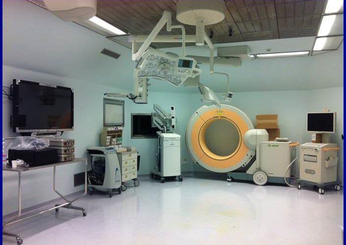 Camera-Operatoria-per-la-chirurgia-vertebrale-navigata-computer-assistita
